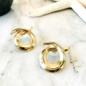 ✨2 for $30✨ Vintage gold tone earrings